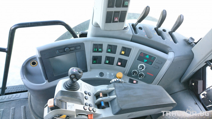 Трактори Claas Arion 640Hexashift 6 - Трактор БГ